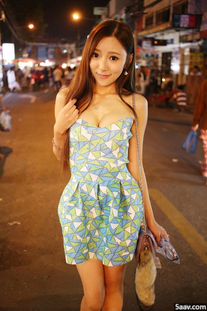 街拍一样美 清纯女神王馨瑶逛夜市 - 清纯妹子