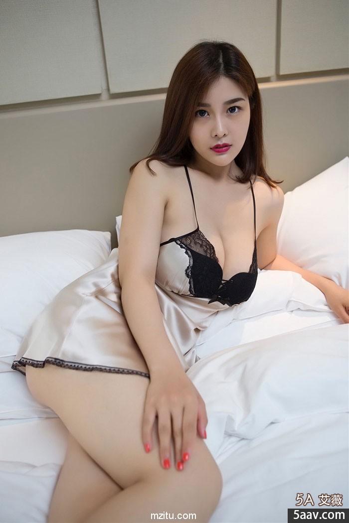 制服诱惑睡衣挑逗 最性感火辣的女老师闫盼盼全套福利图