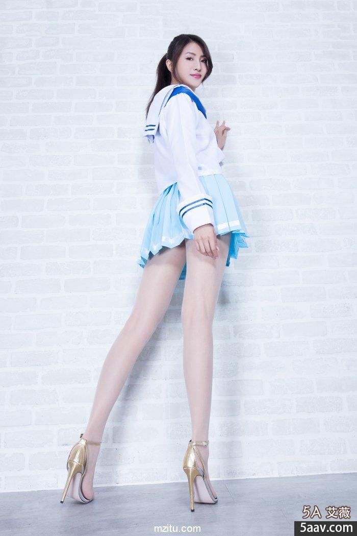 抚媚熟女的黑丝诱惑 Beautyleg美腿写真 No.2068 Vicni