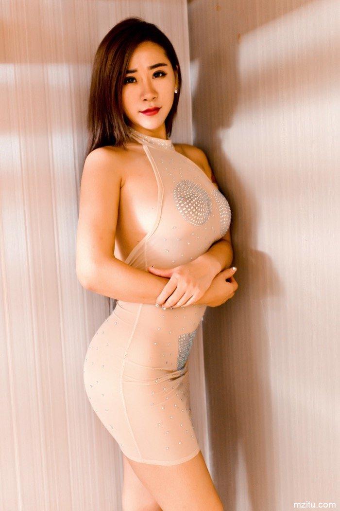 性感模特雪儿Cier人体艺术图片,情趣皮衣下丰乳肥臀超诱惑