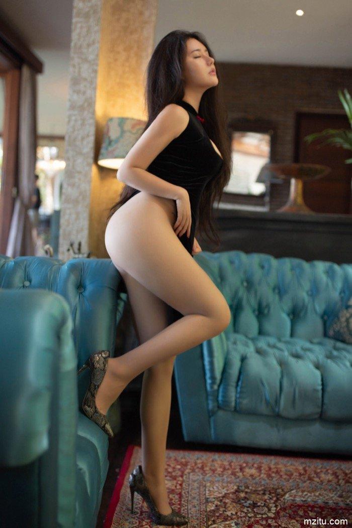 直逼女王卡戴珊 异域尤物玛鲁娜肥美巨臀极致诱人